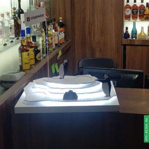Айсберг для оформления витрины винотеки