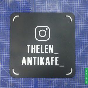 Черная визитка Instagram ручной работы