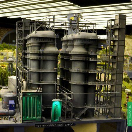 Макет нефтеперерабатывающего завода на заказ